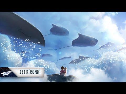 The Chainsmokers - This Feeling (Baaku Remix) Ft. Kelsea Ballerini
