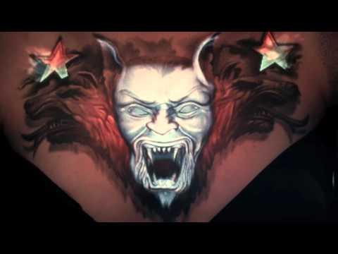 身体にタトゥーの3Dプロジェクションマッピング!