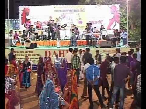 Gujarati Garba Song Navratri Live 2011 - Lions Club Kalol - Vikram Thakor - Mamta Soni Day-10 Part-8 video