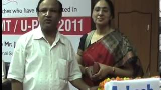 Aakash AIEEE 2011 Topper Raghav Gupta's Parents Interview & Advices