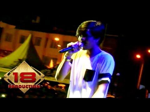 Download Lagu Live Konser !! Sheila on 7 - J A P Medley Buat Aku Tersenyum MP3 Free