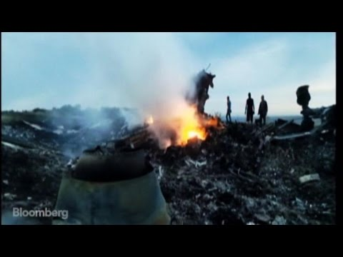 Malaysia Airlines Crash: Scenes From the Ground