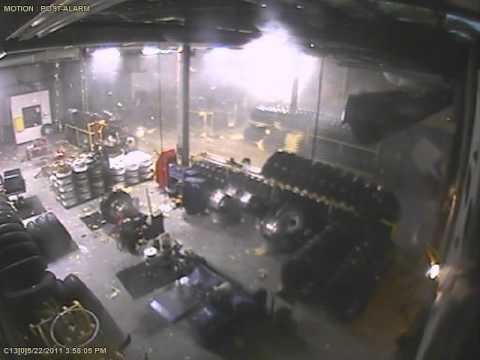 joplin tornado footage   tire shopavi youtube