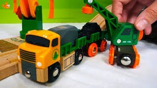 Brio Trains & Toys - DYNAMITE EXPLOSIVE Train! - Brio City toys videos for kids