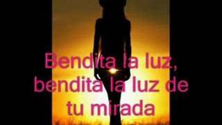 Watch Mana Bendita Tu Luz video