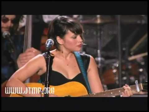 "MusiCares 2010 Artist of the Year - Neil Young - Norah Jones - ""Tell Me Why"""