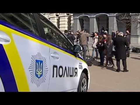 Ukraine's Police Reform: Ukrainian PM yatsenyuk tests out newly-designed police car