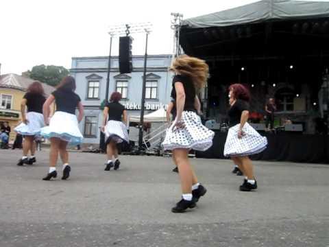 Mary Mary line dance