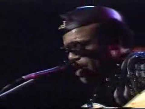 Bobby Womack - When the Weekend Comes (live)