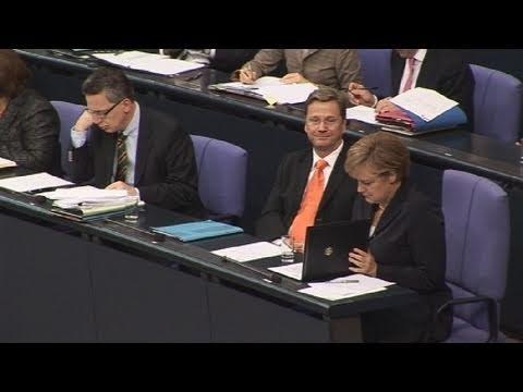 Duell der Worte: Merkel vs. Gabriel - SPIEGEL TV