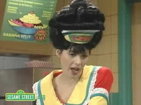 Sesame Street: Marisa Tomei Reads
