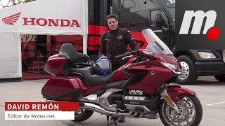 Honda Gold Wing | Presentación / Primera Prueba / Test / Review en español | motos.net