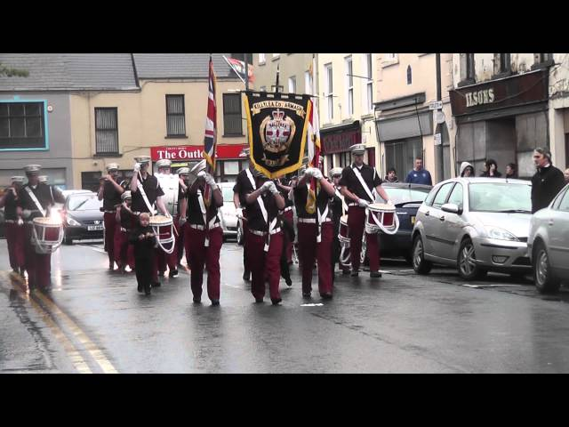 Killylea Boyne Defenders FB @ Pride Of The Hill FB Parade 2012