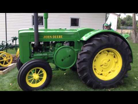 Starting & Driving 1945 John Deere Model D Tractor