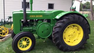 Starting & Driving 1945 John Deere Model D Tractor