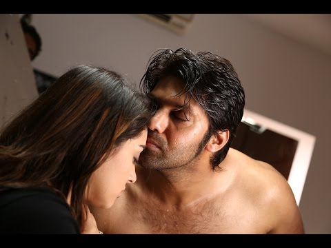 Hansika breaks down after doing a steamy song shoot with Arya   Hot Scene    Meegaamann Movie