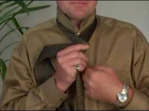 How to Tie a Tie: The Four in Hand