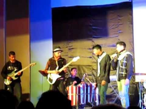 Georgians performing Pyar Hame Kis Mod Pe le aaya - UDAAN the...