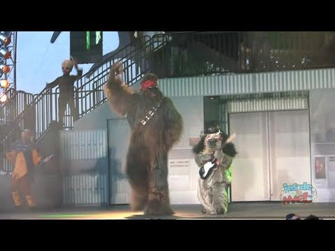 Chewbacca and an Ewok dance to Guns n Roses at Disney's Star Wars Weekends 2011