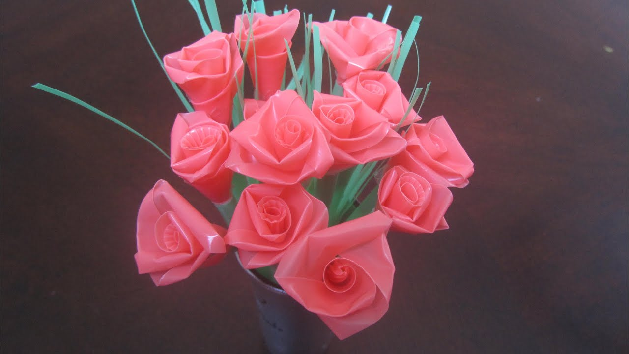 How To Make A Rose Out Of Drinking Straws