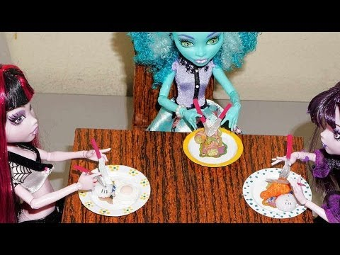 How to make plates and silverware / cutlery for doll (Monster High. Barbie. etc)