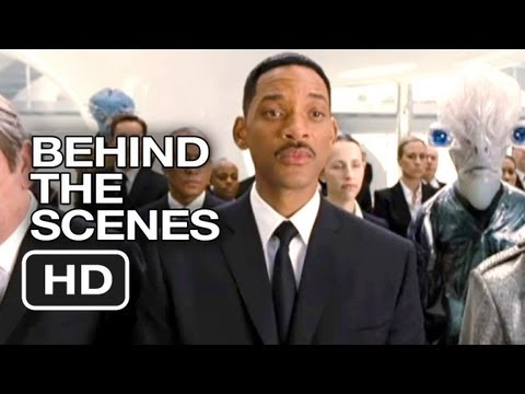 Subscribe to TRAILERS: http://bit.ly/sxaw6h Subscribe to COMING SOON: http://bit.ly/H2vZUn Men in Black 3 Blu-ray Behind The Scenes CLIP - Aliens (2012) - Wi...