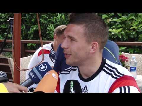 Lukas Podolski und Mesut Özil: