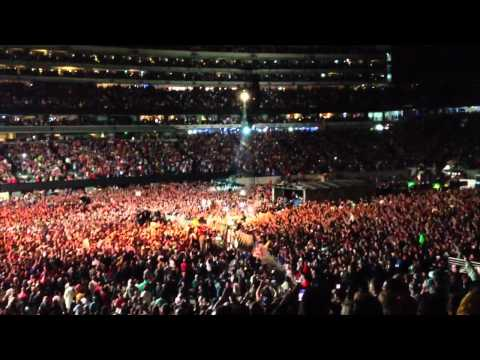 In The Midnight Hour - Bruce Springsteen 9/22/12