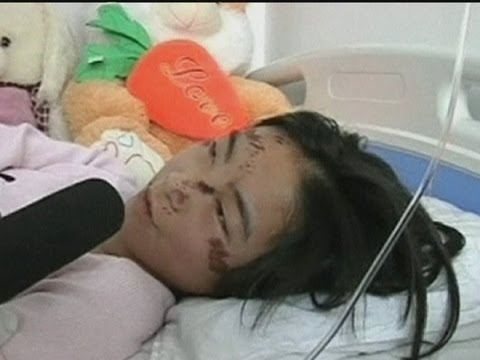 Teenage girl run over by a van in China s Heilongjiang Province