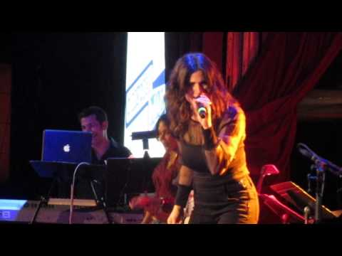 Idina Menzel- Shake It Off at A BroaderWay Karaoke Event