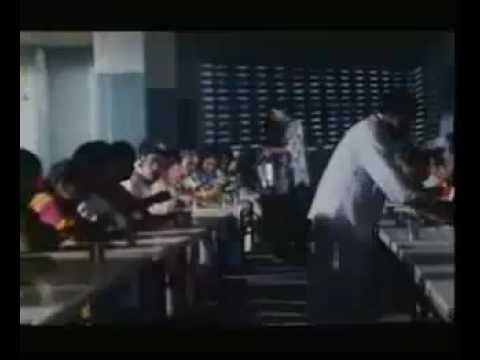 Aanantham Aanantham Paadum - Poove Unakkaga video