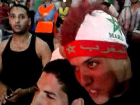 فيديو اشعال الفلام من طرف الجماهير -maroc vs tanzani