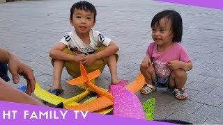 BÉ CHƠI PHI MÁY BAY XỐP NHIỀU MÀU SẮC♥️Outdoor Playground For Kids With Foam Airplane ♥️HT BabyTV ✔︎