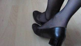 högl pumps and stockings, shoeplay and dangling