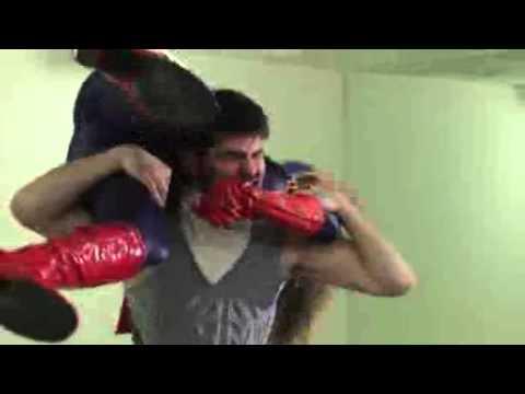 Captain Marvellous vs Hocus Pocus - super heroine fight