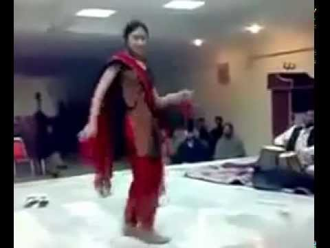 Pakistani Girl hot dance 2012 -