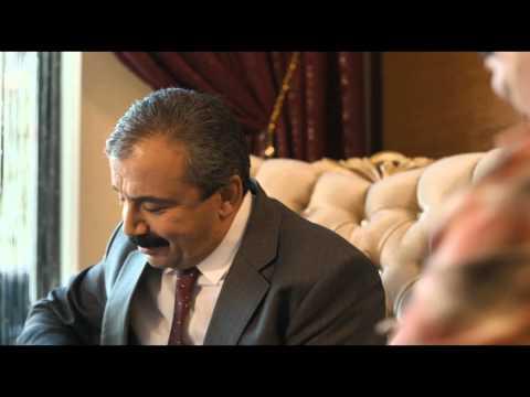 Düğün Dernek - Sırrı Süreyya Önder Sahnesi