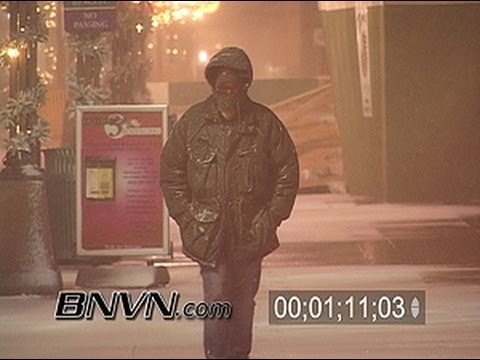 12/21/2004 Overnight snow video from Minneapolis, MN
