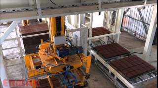 CONCRETE BLOCK MAKING MACHINE-Stretching and Packaging Robot