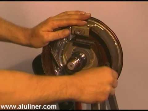 knott radbremse bremstrommel demontage und bremsbacken. Black Bedroom Furniture Sets. Home Design Ideas