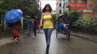 নষ্ট হয়ে রাস্তা দিয়ে হাটলেন নাইলা নাঈম Naila Nayem Latest News   Bangla Entertainment news