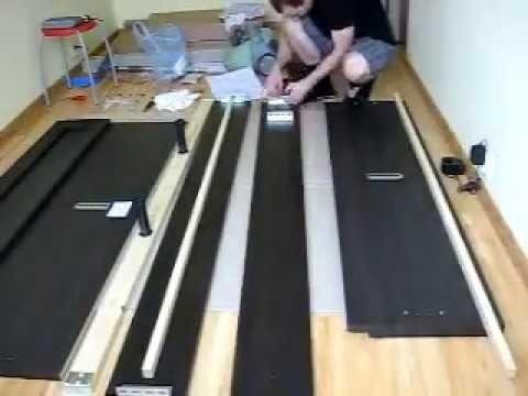Видео как собрать кровать