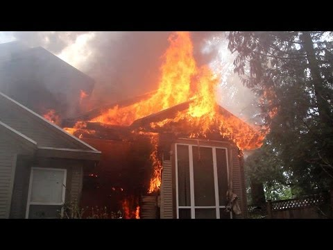 2-alarm house fire in Surrey, BC pre Fire Dept arrival