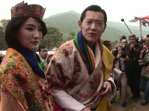 Bhutan king and queen greet well-wishers