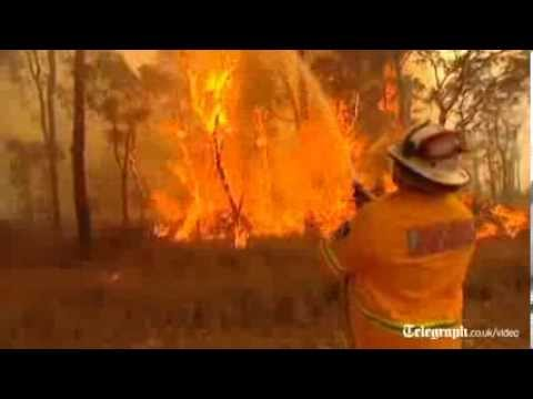 Australia: wildfires threaten homes near Sydney