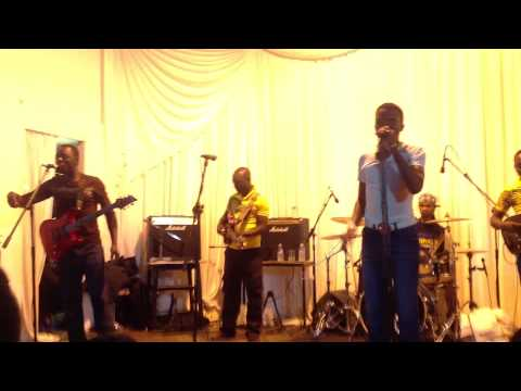 Macheso  Zora Butter 'tsiye Nyoro' Live In Leicester 3 11 12 010 video