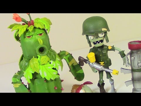 Camo Cactus & Foot Soldier Zombie (Toys) Plants Vs. Zombies Garden Warfare