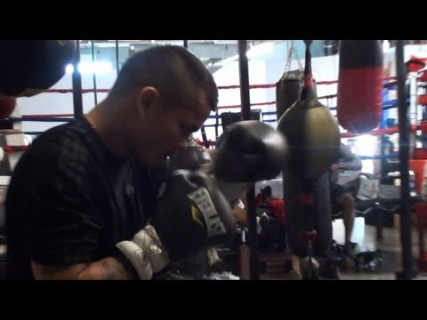 Marcos Maidana double end bag in training for Soto Karass [True HD] Image 1