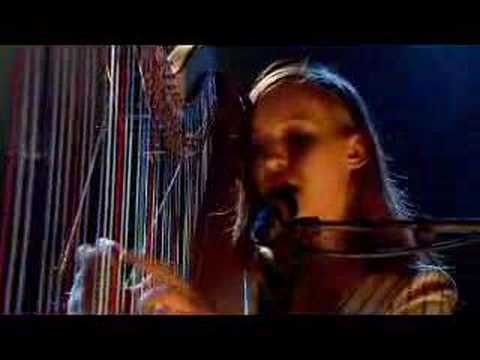Joanna Newsom - Clam, Crab, Cockle, Cowrie (Jools Holland) klip izle