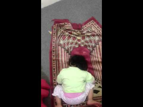 Hareem Trying To Offer Namaz.. Ma..:) video